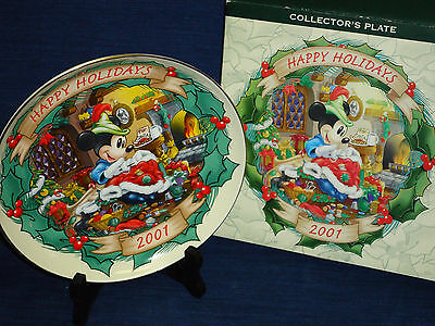 """8"""" Disney 2001 Happy Holidays Christmas PLATE w/Box """"The Brave Little Tailor"""""""