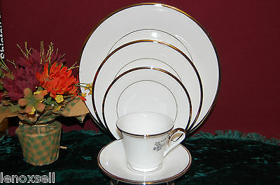 Lenox Solitaire White 5 Piece Place Setting New USA