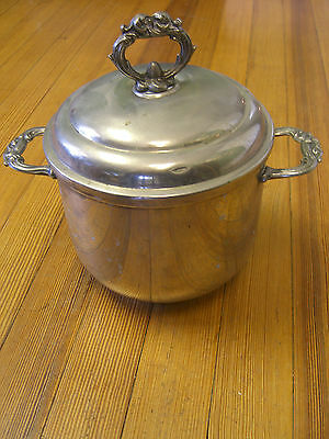 "Vintage ""ENGLISH SILVER MFG. CORP"" SilverPlate Ice bucket w/Opaque Glass Liner"