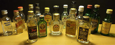 Vhtf Collection Of 18 Miniature Bottles '' Rare - Vintage - New '' No Alcohol