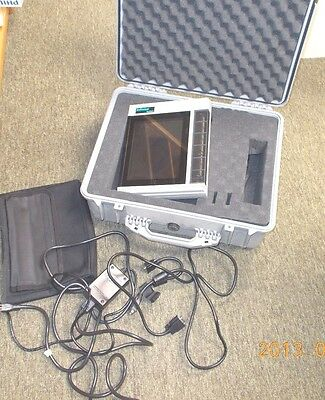 InFocus Systems 550 PanelBook LCD Projector/Projection Panel w/Case