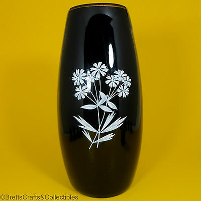 "Wade Souvenir Items - 1953/1961 - Black Bud Vase with White Flowers - 5-5/8"" H"