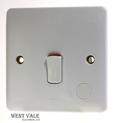 7300 23-45a One Gang Double Pole Switch With Neon New Legrand Synergy