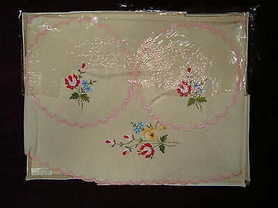Pure Linen Floral Design made in Ireland 1 center table placemat and 2 coasters