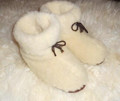Healthy Woolen white Mens SLIPPERS Comfortable winter boots, furry, mules, snugg