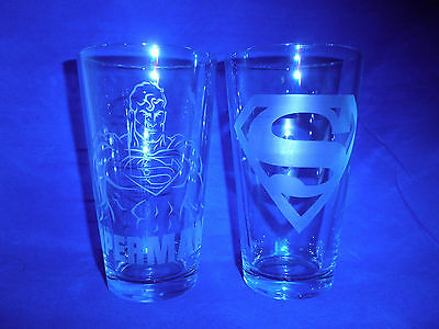 DC Superman-Set of 2 Glasses-Super Hero Superman and Symbol