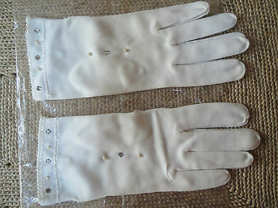Vintage White Womens Gloves - With Pearls and Rhinestones