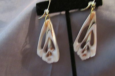 COUNCH HANDCRAFTED DESIGNED LEVER BACK CREAM AND BROWN Earrings