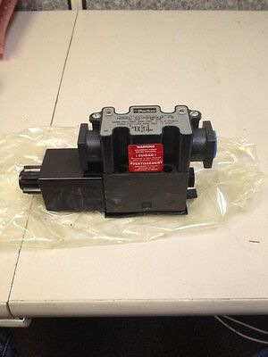 Parker Hydraulic Valve D1VW20B5JF 70 / New In Box