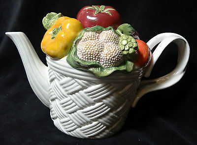 Fitz & Floyd Vegetable Garden Teapot White Lattice Tomato Turnip Cauliflower
