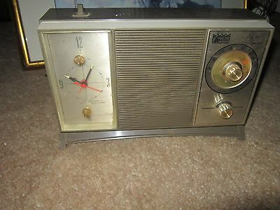 Vintage Arvin Electric Transistor Model No.56R32 FAWN Works Fine