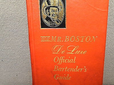 VINTAGE MR BOSTON DELUXE OFFICIAL BARTENDERS GUIDE 1961