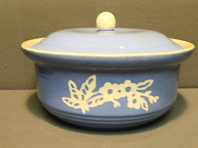 VINTAGE HARKER CAMEOWARE CASSEROLE WITH LID CIRCA 1935