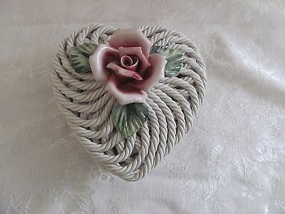 Capodimonte heart rope box with pink rose green leaves Italy