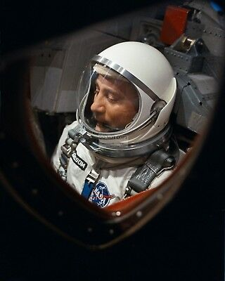 Gus Grissom In Spacecraft Prior To Launch Of Gemini 3 - 8X10 Nasa Photo (Aa-375)