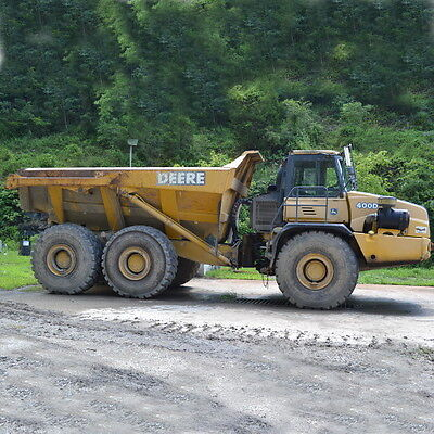 John Deere 400D Articulated Truck