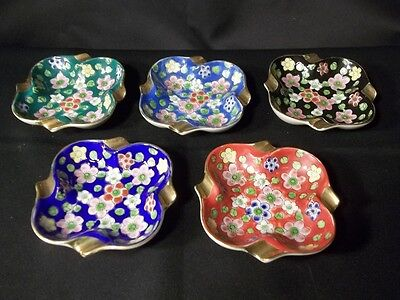 VINTAGE SET OF 5 APCO JAPAN SMALL FLORAL PRINT 4 REST ASHTRAYS GOLD GILT