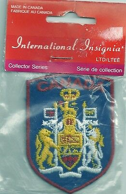 SOUVENIR CANADA PATCH  COAT-OF-ARMS PACKAGED