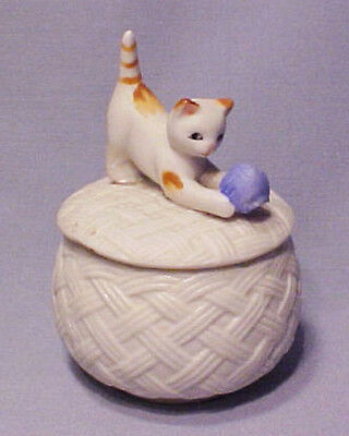Bisque Napco Kitty Cat w/ Ball of Yarn Figural Trinket Box Container