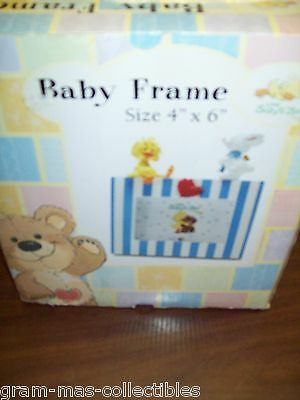 "PICTURE FRAME BABY'LITTLE SUZYS ZOO"" SIZE 4"" X 6"" DUCK & BUNNY ON TOP HANDCRAFT"