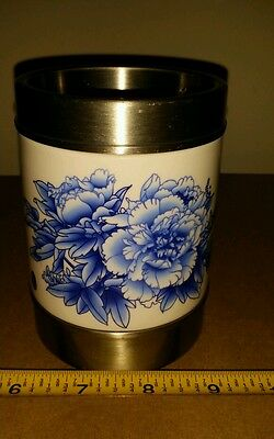 TENGDA Chinese Asian Blue and White Floral Porcelain Vase  labeled
