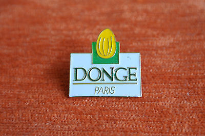 04686 Pins Pin's Parfum Cosmetique Donge Paris Savon Amandes