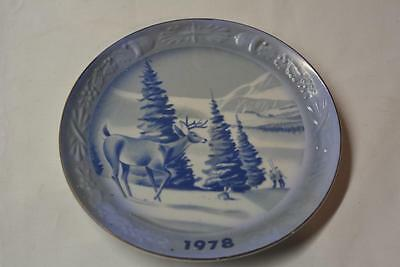 Vintage 1978 Spencer Gifts Christmas China Blue PLATE Dish Deer Skiing Winter