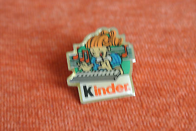 06018 Pin's Pins Kinder Chocolate Candy