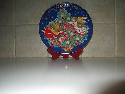 "Vtg Avon 1995 Porcelain China Xmas Plate, Titled ""trimming The Tree"" 22K Trimmed"