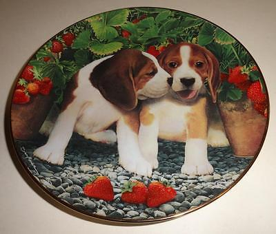 """""""Berry Sweet"""" Limited Collector Plate Beagles Simon Mendez Franklin Mint $12.98"""