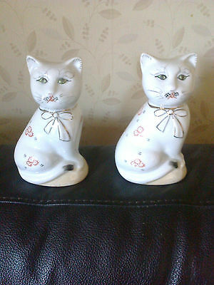 2 X ORIENTAL DESIGN CAT FIGURINES PRETTY GOLD BOW & PATTERN ALL OVER