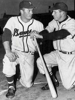 STAN MUSIAL KEN BOYER /& EDDIE MATHEWS IN THIS CLASSIC 8x10 CARDINALS BRAVES
