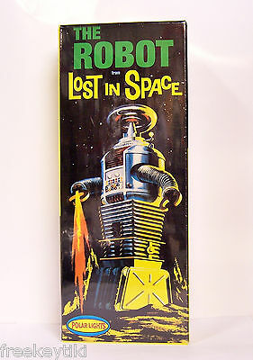 Polar Lights Lost In Space B-9 ROBOT Model kit 1/24 Science Fiction Aliens UFO