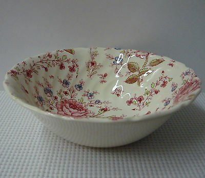 """Johnson Brothers ROSE CHINTZ 8-1/4"""" Round Vegetable Bowl MADE In ENGLAND"""