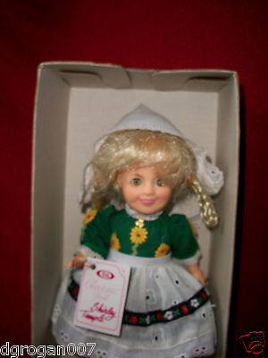 """1982 SHIRLEY TEMPLE DOLL Ideal 12""""Mint With tags in Box Heidi Dutch Girl"""