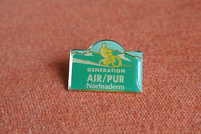 10770 Pins Pin's Cosmetique  Generation Air Pur Normaderm Laboratoires Vichy
