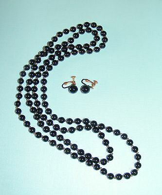 """Black COLOR VINTAGE 1-Strand-46"""" LONG  NECKLACE w/Matching Screw-Clip EARRINGS-"""