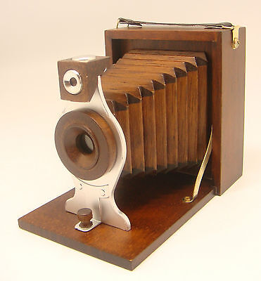 """Musical - 4-1/4"""" Tall Bellows Camera 'Oh! What a Beautiful Morning' (Item 170)"""