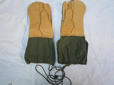 US  Mitten Shell Cold Weather,Trigger Finger,M-1965,Medium