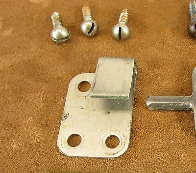 Victor Victrola Phonograph Motor Deck Pivot Hinge Gudgeon RIGHT # 0709B