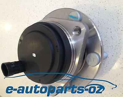 2 x Genuine Iljin Holden VE Commodore Front Wheel Bearing and Hub Units