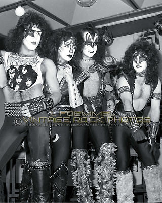 KISS 16x20 inch Poster Photo Candid Band Backstage '83 Creatures RIO Brazil  C3