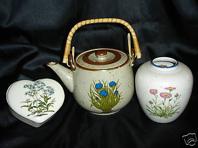 Takashi Wild Flower Trinket, Vase and Teapot EC