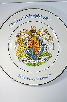 The Queen's Silver Jubilee 1977 H.M. Tower of London decorative plate.