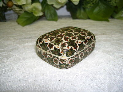 MINIATURE MID-EASTERN TRINKET BOX GREEN AND GOLD STAR MOSAIC DESIGN