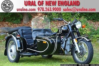 Ural Classic Glossy Black Vintage look! Parking Brake and Reverse Gear! Financing & Trades!
