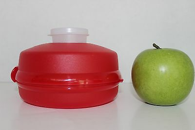 Tupperware RED Round SANDWICH Bagel KEEPER includes fitted condiment Smidget