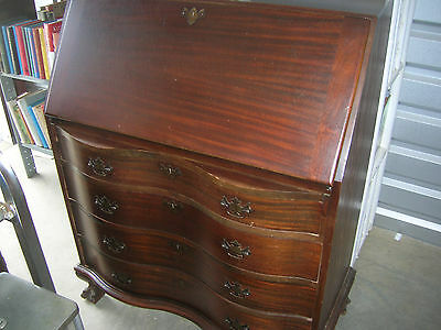Mahogany slant front desk, Chippendale style, ca. 1940, serpentine drawers