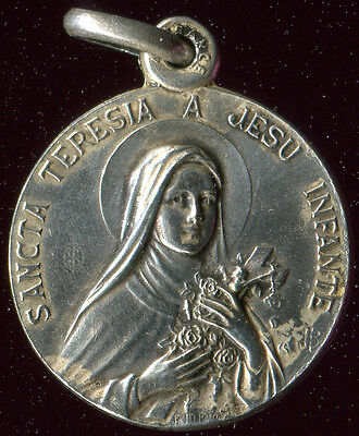 OLD SILVERED  MEDAL OF ST THERESE OF CHILDREN JESUS