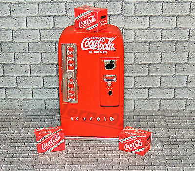 VINTAGE SODA MACHINE with three Red Coca-Cola Cases 1:24(G)SCALE DIORAMA